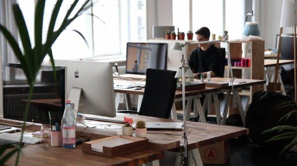 未来创业方向是轻资产服务业